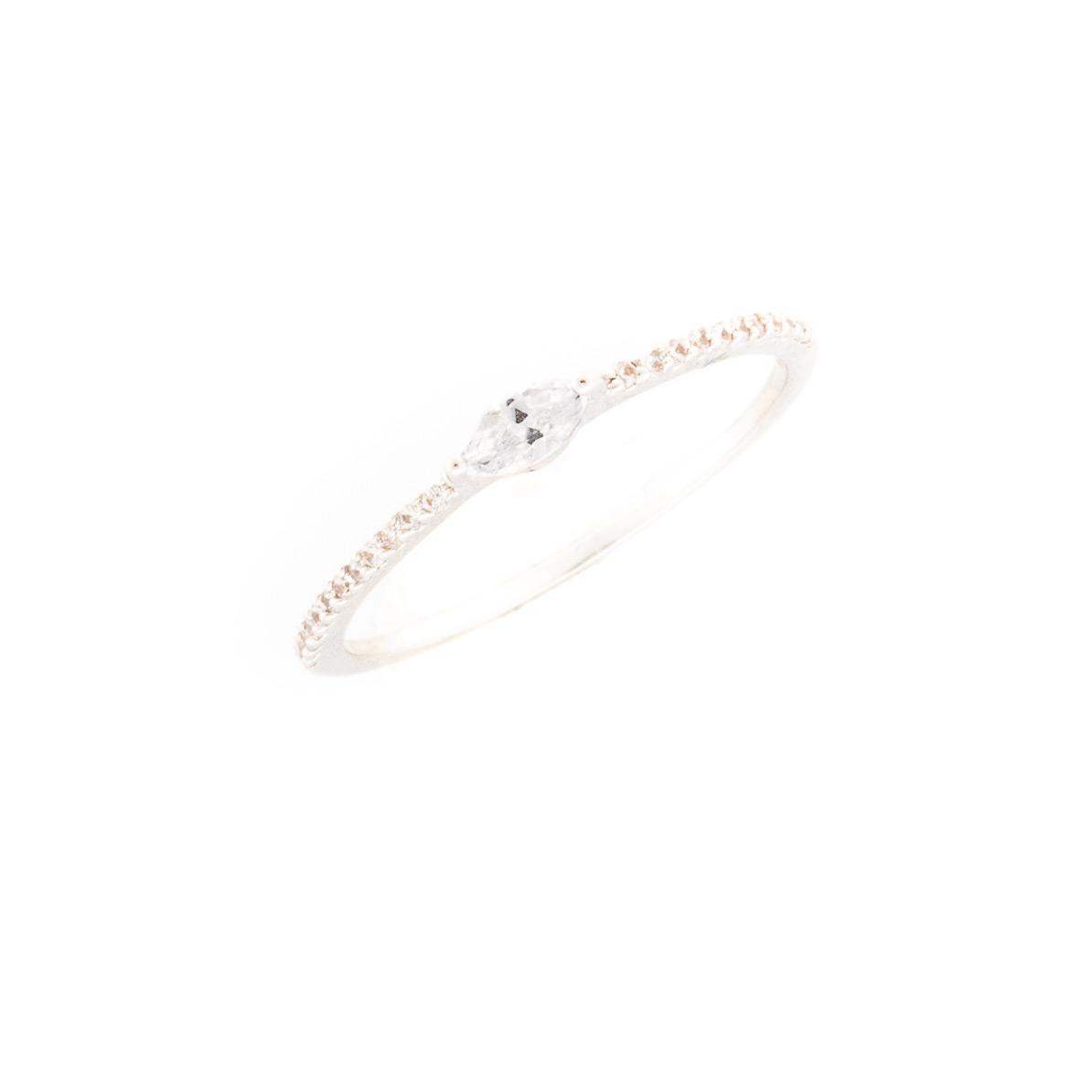 Ring mit gefassten Zirkonia Steinen Silber